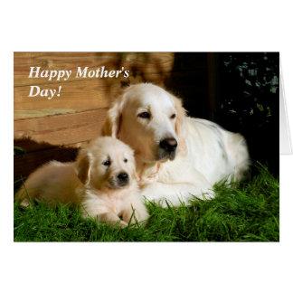 Cartão da mamã e do filhote de cachorro do dia das