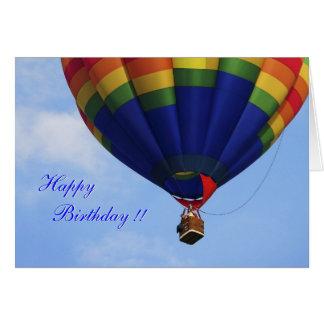 Cartão de aniversário Ballooning do ar quente do