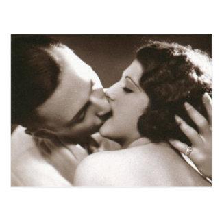 Cartão de beijo romântico do casal