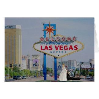 Cartão de casamento de arrasto do noivo da noiva