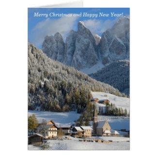 Cartão de Natal da vila dos cumes das dolomites