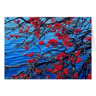 Cartão de nota vermelho da flor