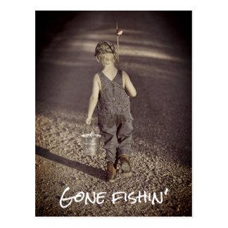 Cartão de pesca ido do anúncio da aposentadoria cartão postal