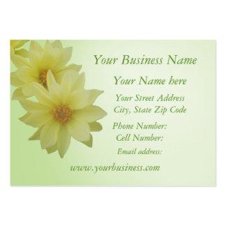 Cartão de visita amarelo pálido da dália