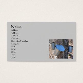 Cartão de visita dos baldes da seiva do xarope de