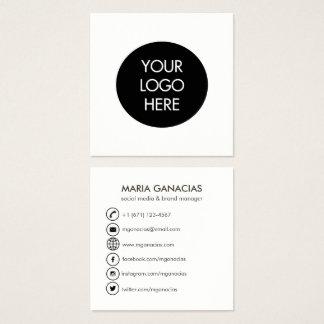 Cartão de visita social preto e branco simples dos