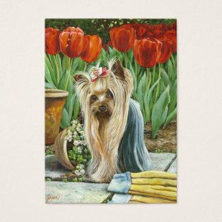 Cartão De Visitas Yorkie no jardim da tulipa