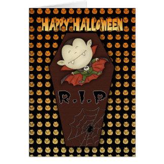 cartão do Dia das Bruxas com vampiro pequeno e co