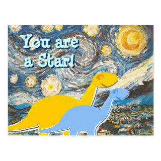 Cartão dos dinossauros da noite estrelado