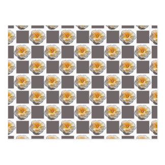 Cartão dos quadrados dos rosas amarelos e das