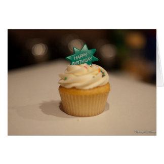 Cartão e bolo do feliz aniversario