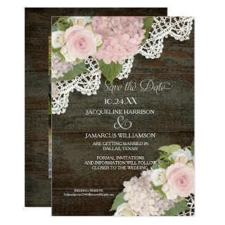 Cartão Economias escuras da madeira o Hydrangea do rosa