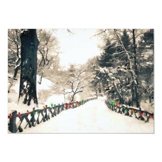Cartão Estrada secundária do inverno com luzes coloridas