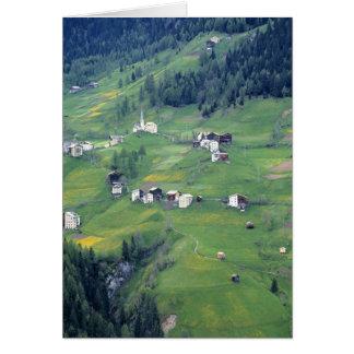 Cartão Europa, Italia, cumes da dolomite. Esta vila