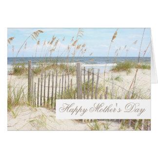 Cartão feliz do dia das mães da praia
