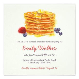 Cartão Festa de aniversário do pequeno almoço da panqueca
