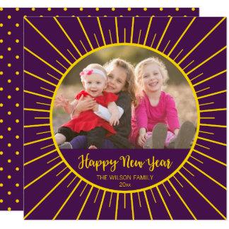 Cartão Foto amarela roxa do feliz ano novo de Starburst