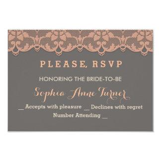 Cartão Laço cinzento do pêssego do vintage que Wedding o