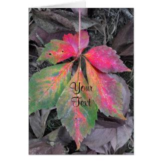 Cartão Luminosidade entre o cinza - folha do outono