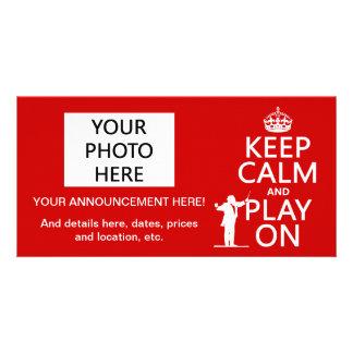 Cartão Mantenha a calma e o jogo em (condutor) (alguma