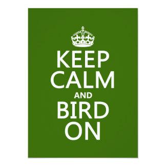 Cartão Mantenha a calma e o pássaro sobre