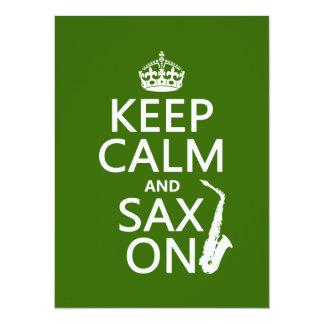 Cartão Mantenha a calma e o saxofone (saxofone) em