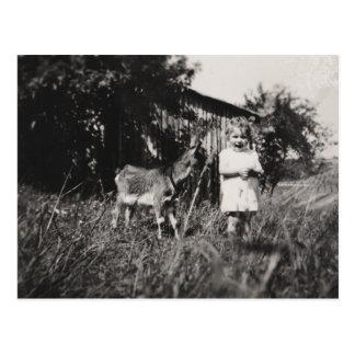 """Cartão """"menina com cabra """""""