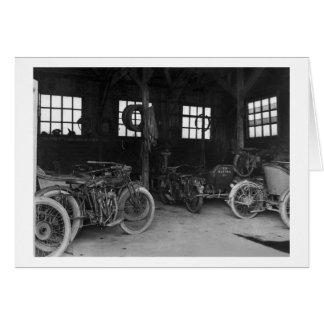 Cartão No vintage WWII da garagem