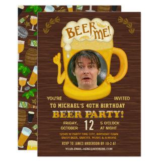 Cartão O bebendo adulto do partido engraçado da cerveja