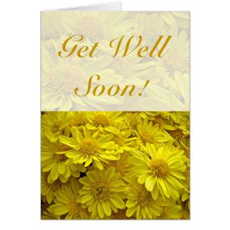 Cartão Obtenha o poço - luz do sol crisântemos amarelos