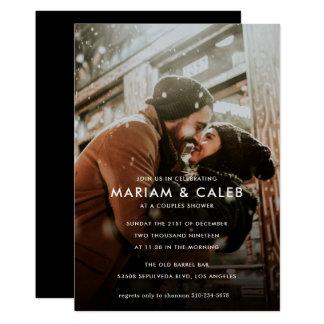 Cartão Os casais regam a foto do noivado do amor de  