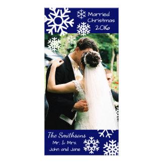 Cartão Os flocos de neve múltiplos datado casaram o Natal