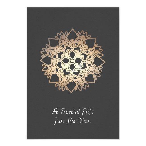 Cartão ou anúncio de presente das artes curas de L Convite Personalizados