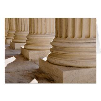 Cartão Parabéns em colunas do diploma de direito