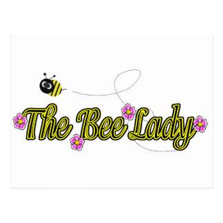 Cartão Postal a senhora da abelha com flores