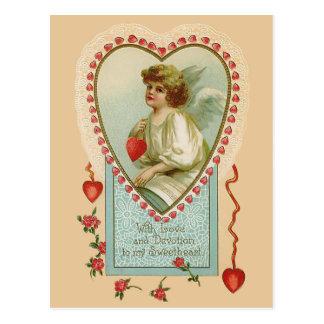 Cartão Postal Anjo e coração dos namorados do vintage