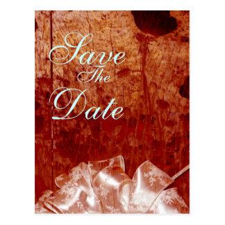 Cartão Postal Anúncio de madeira queimado rústico do casamento
