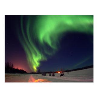 Cartão Postal Aurora boreal no lago bear