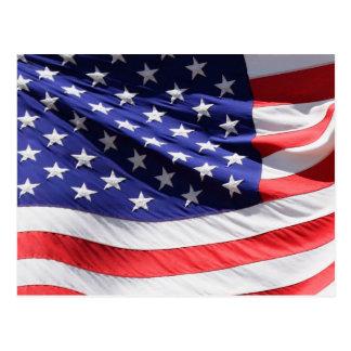 Cartão Postal Bandeira americana no vento