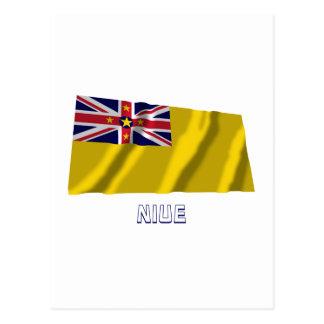 Cartão Postal Bandeira de ondulação de Niue com nome