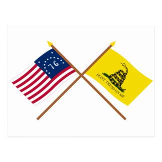 Cartão Postal Bandeiras cruzadas de Bennington e de Gadsden