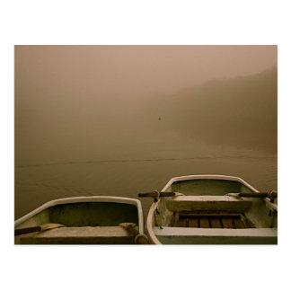 Cartão Postal Barcos na névoa