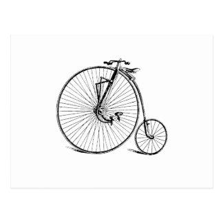 Cartão Postal Bicicleta antiga da roda grande do vintage
