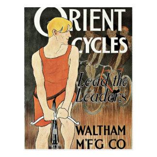 Cartão Postal Bicicleta do vintage da equitação do homem novo