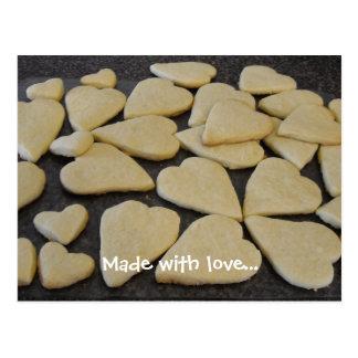 Cartão Postal Biscoitos dados forma coração cozidos