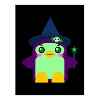 Cartão Postal Bruxa do pinguim de Kawaii