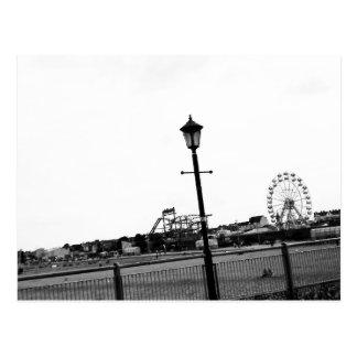 Cartão Postal Cais preto e branco de Skegness