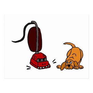 Cartão Postal Cão engraçado receoso do aspirador de p30