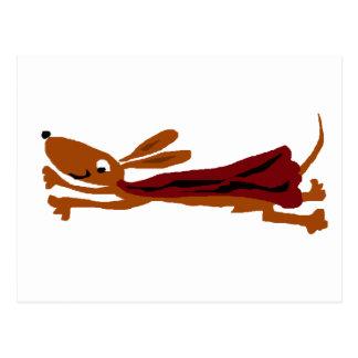 Cartão Postal Cão super do Dachshund engraçado do vôo