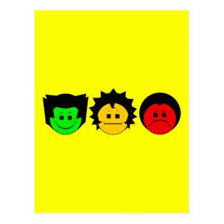Cartão Postal Caras temperamentais do trio do sinal de trânsito